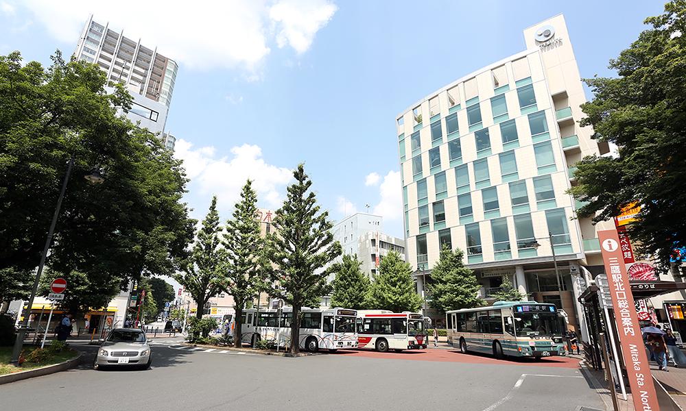 青葉駅西口から徒歩9分